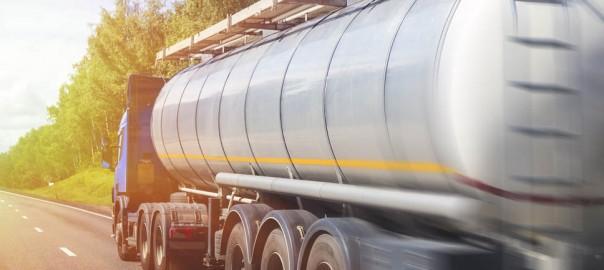 Caminhão-tanque revestido e o transporte de produtos perigosos