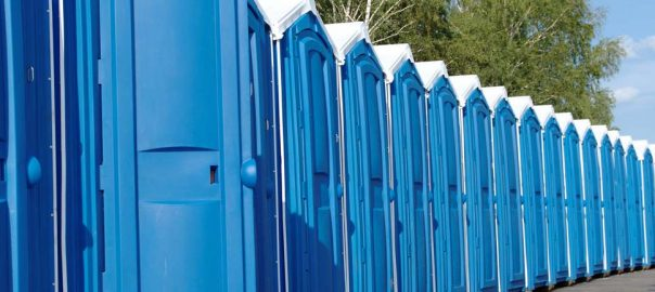 aluguel de banheiro: imagens de banheiros químicos disponíveis
