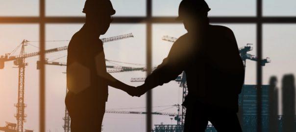 homens zelando pela estrutura da empresa